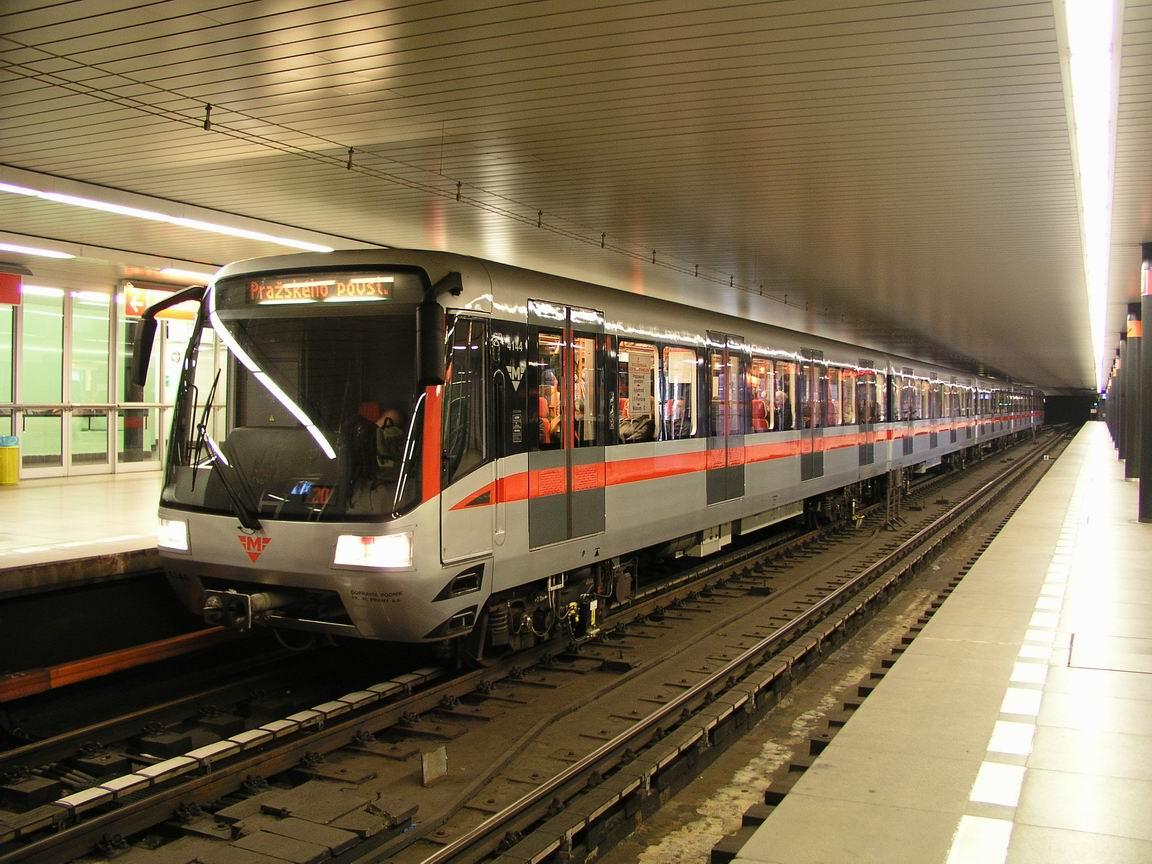 http://metroweb.cz/metro/M1/P000001.JPG